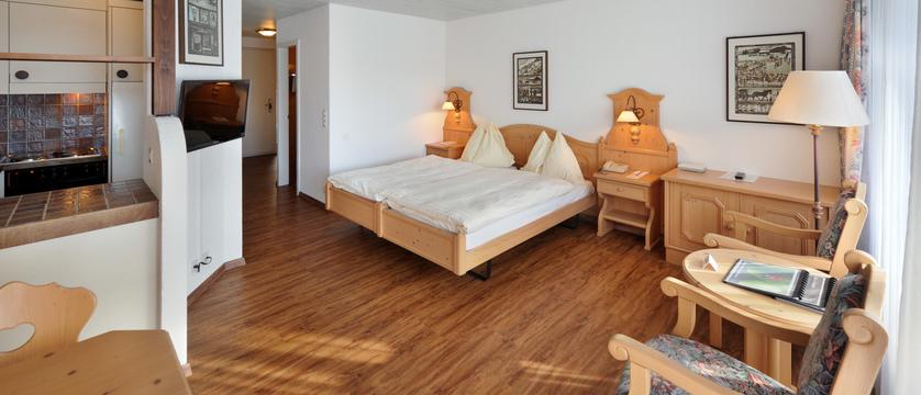Switzerland_Grindelwald_Eiger-Apartments_living-area.jpg